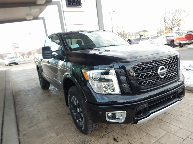New 2018 Nissan Titan Pro 4x 4d Crew Cab In New Castle